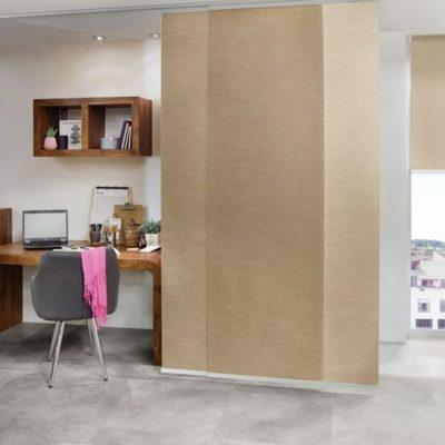Flächenvorhänge als elegante Raumteiler